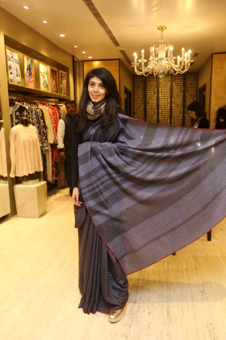 Born Of Web Tanira Sethi Daughter Of Fdci Chief Sunil Sethi Debuts As Textile Designer Born Of Web