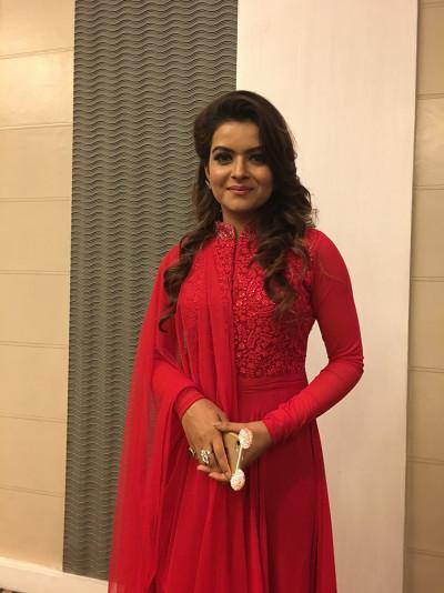 Shilpa Raizada- Star pus